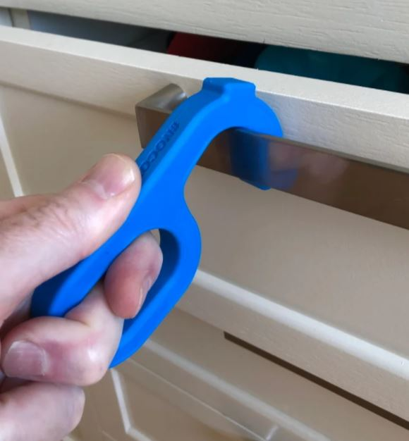Easy grip no touch door opener